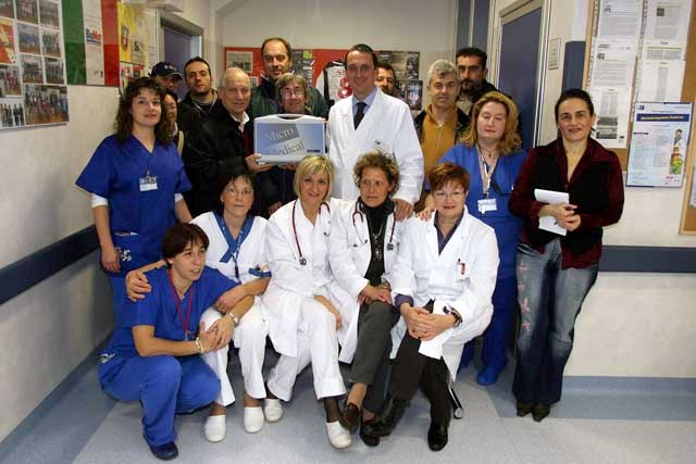 [IMG]http://www.rangers.it/emiliano/foto/2008-pediatria.jpg[/IMG]