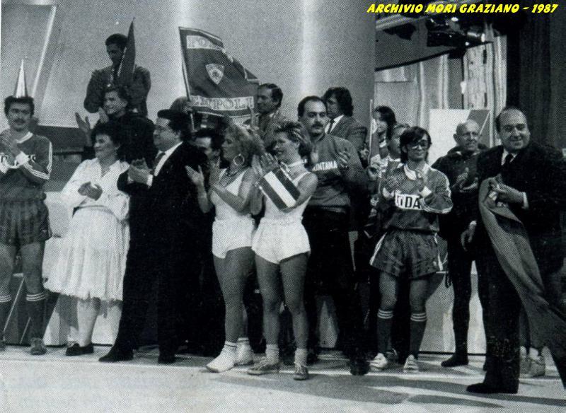 Il gruppo dei tifosi empolesi dei Rangers e del Club Pontorme al termine della loro prova
