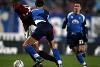 Inizio dell'azione del rigore: Carew trattiene e tira per la maglia Cribari, fallo clamorosamente non rilevato da arbitro e guardalinee