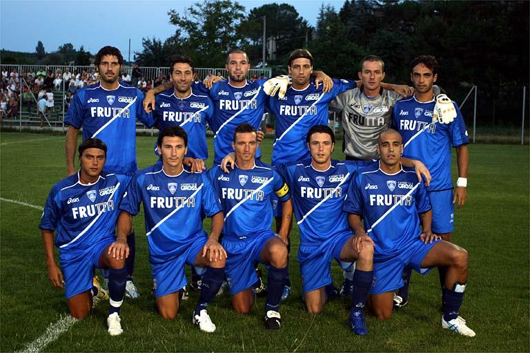 La squadra schierata in campo (empolifc.com)